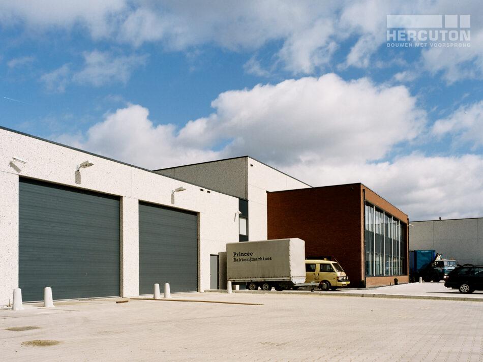 Hercuton b.v. uit Nieuwkuijk heeft een bedrijfshal gerealiseerd voor Gerard Lammers B.V.
