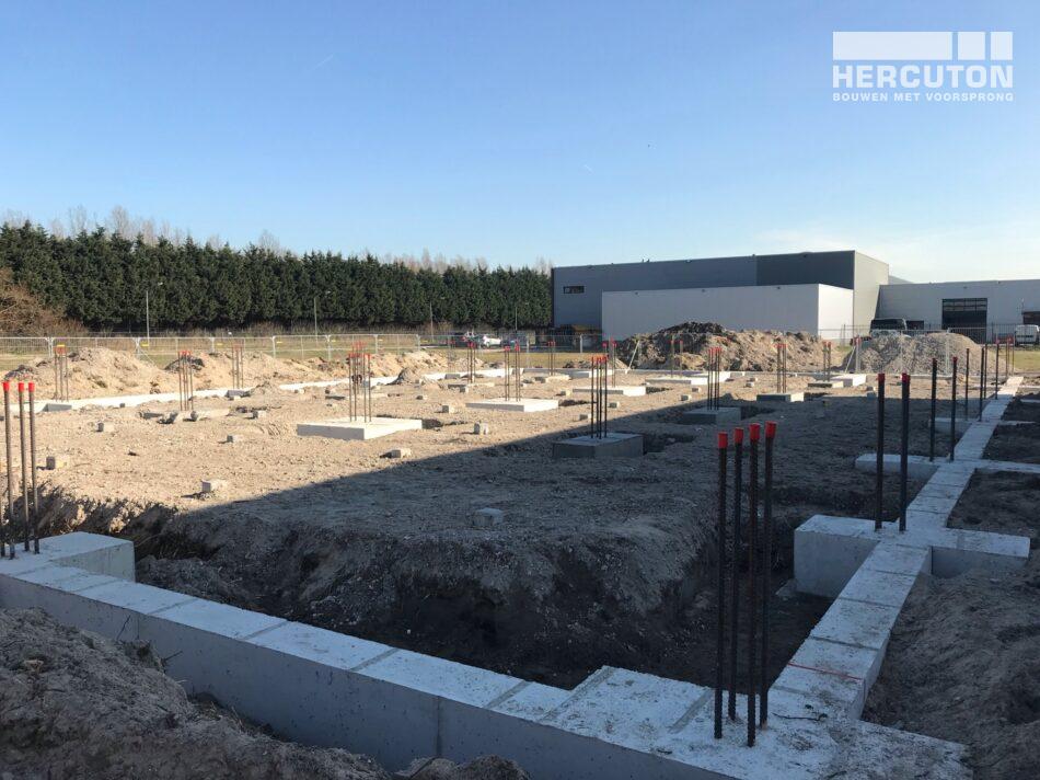 Fundering voor de nieuwbouw bedrijfsverzamelgebouw Lenarduzzi Assendelft