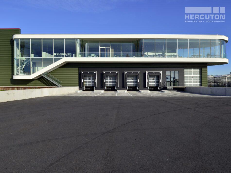 Hercuton heeft in Naaldwijk een kantoor met verpakkingscentrum gerealiseerd voor Looije Tomaten. - docks