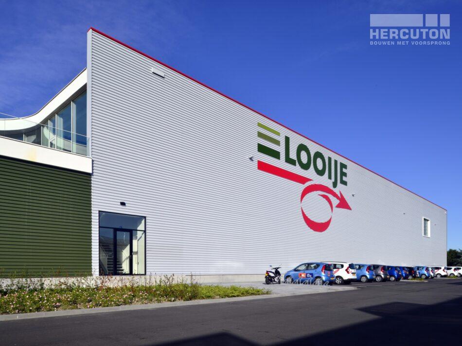 Hercuton heeft in Naaldwijk een kantoor met verpakkingscentrum gerealiseerd voor Looije Tomaten. - zijaanzicht