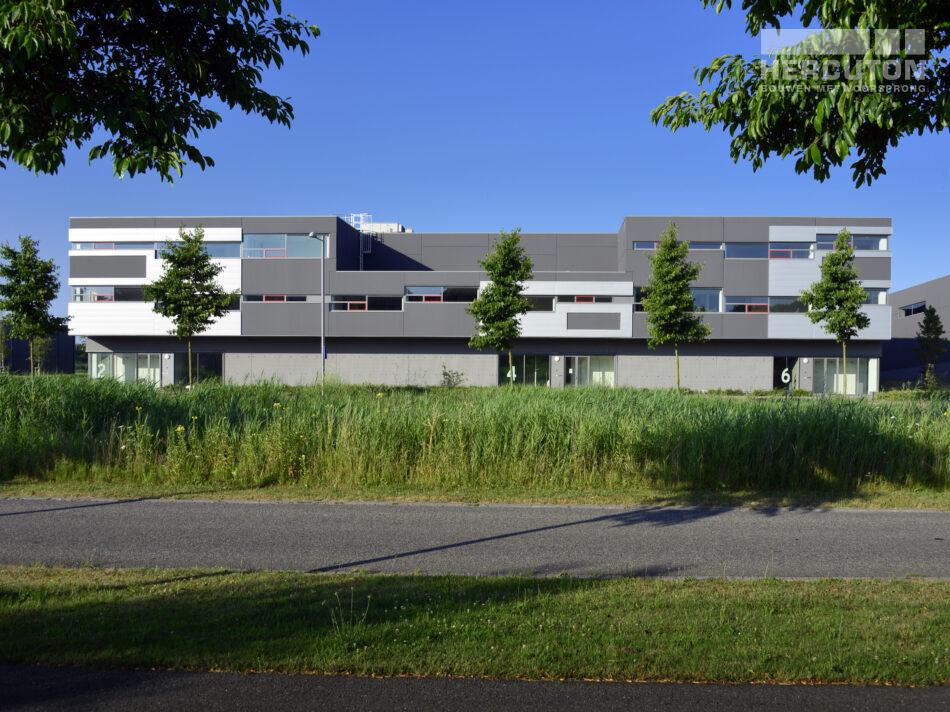 Bedrijfsverzamelgebouw van 16.627 m2 in Amsterdam Osdorp