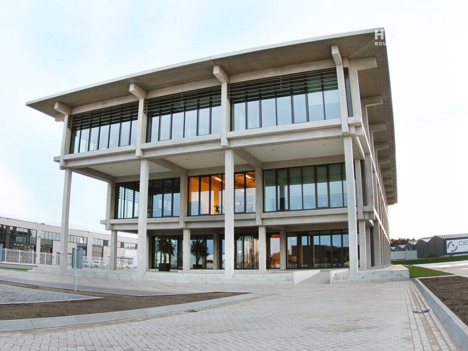 Nieuwbouw kantoorpand Martens en Van Oord in Oosterhout door Hercuton b.v.