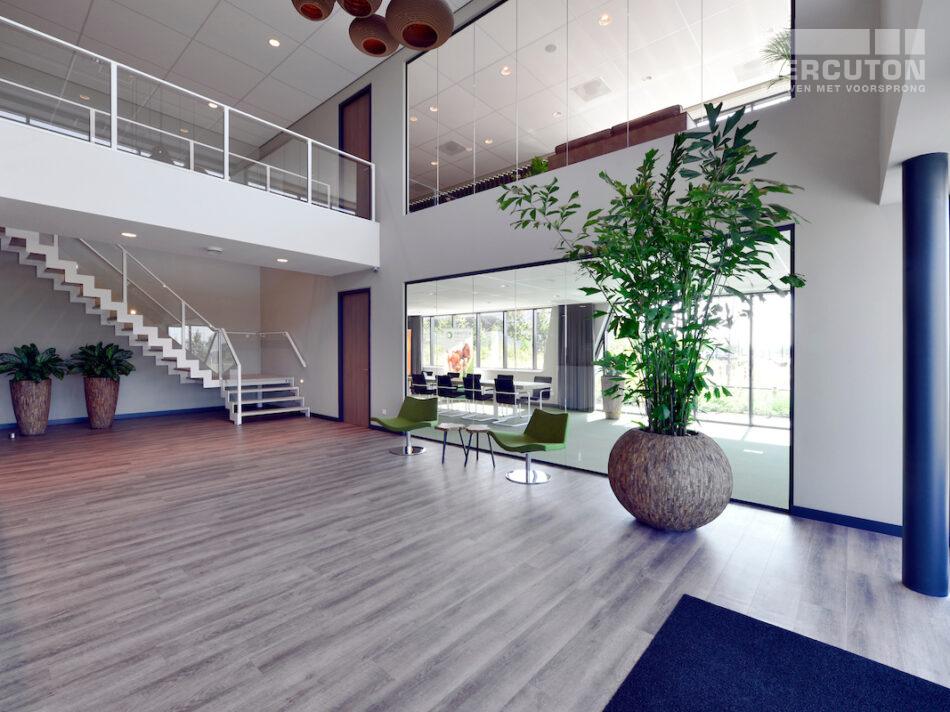 Nieuwbouw magazijnruimte met groot kantoor door Hercuton b.v. uit Nieuwkuijk