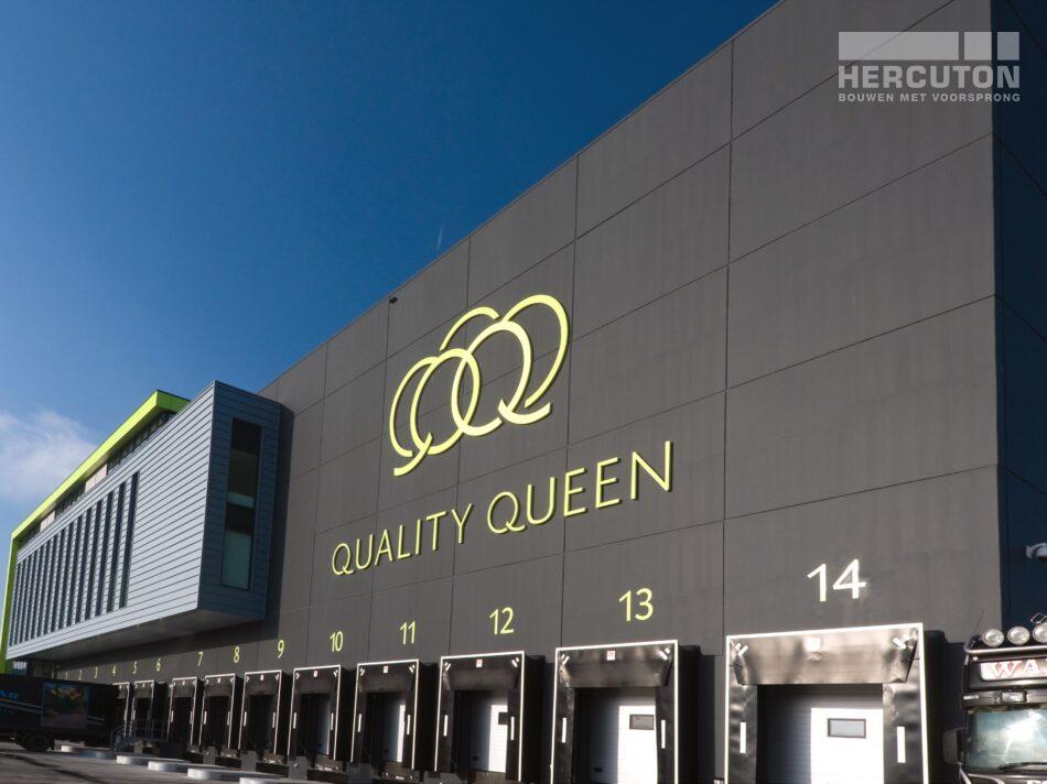 Hercuton realiseerde voor Quality Queen in Maasdijk een bedrijfspand ten behoeve van de verwerking, opslag en distributie van groente en fruit. - docks