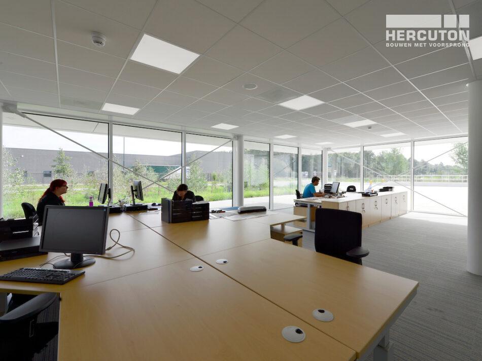 Nieuwbouw R&D Center met kantoor Berco Schijndel door Hercuton