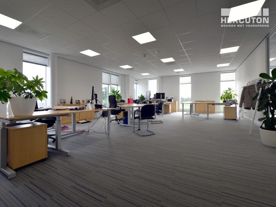 Turn-key nieuwbouw R&D Center met kantoor Berco Schijndel door Hercuton