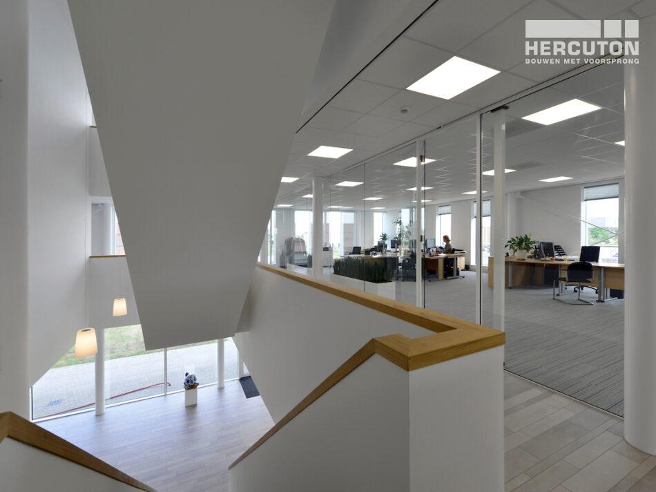 Turn-key nieuwbouw kantoorruimte met bedrijfshal Berco Schijndel door Hercuton