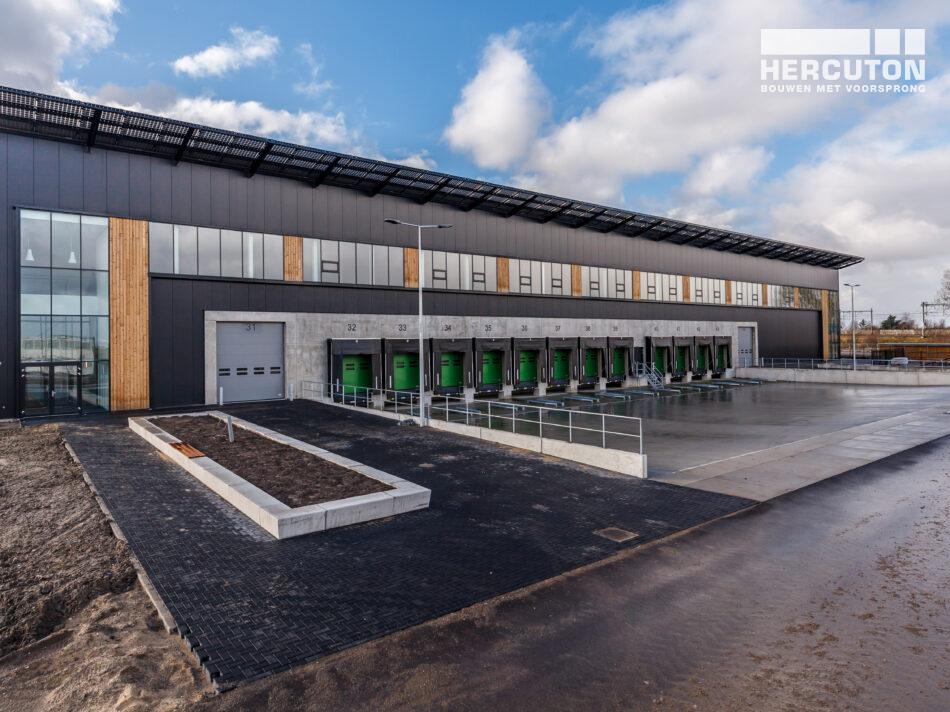 Turn-key nieuwbouw distributiecentrum SEGRO Hoofddorp