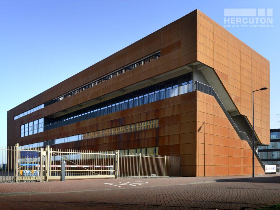 Nieuwbouw kantoor met bedrijfsruimte Steigereiland Amsterdam.