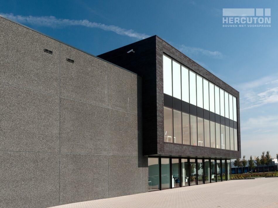 Nieuwbouw loft kantoor met bedrijfsruimte Swalu Vastgoed. - achtergevel