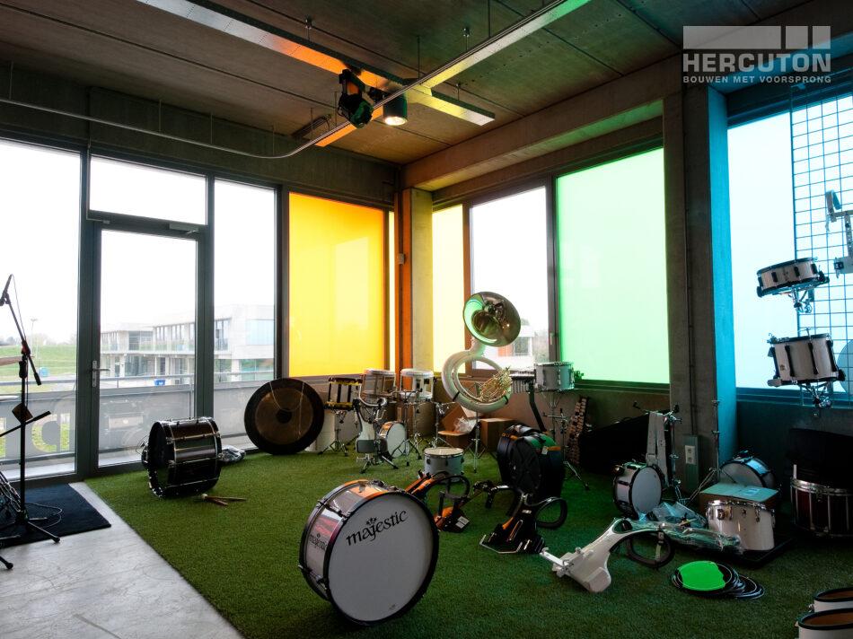 Hercuton heeft een showroom met kantoor én opslag gerealiseerd voor Terpstra Muziek in Amsterdam.