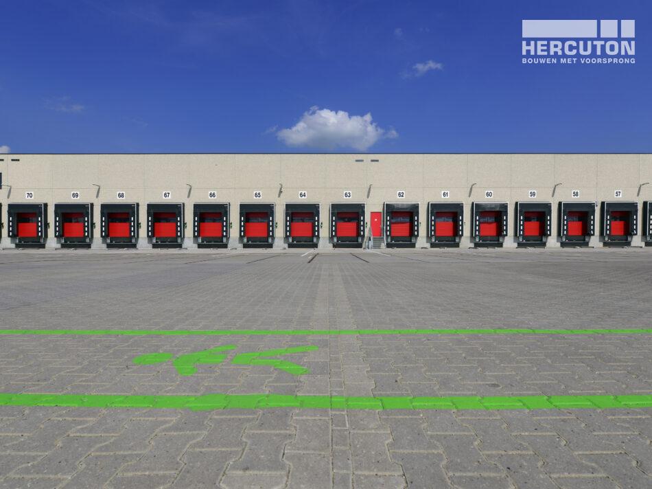 Voor Tielbeke Logistiek heeft Hercuton een nieuw logistiek centrum turn-key gerealiseerd