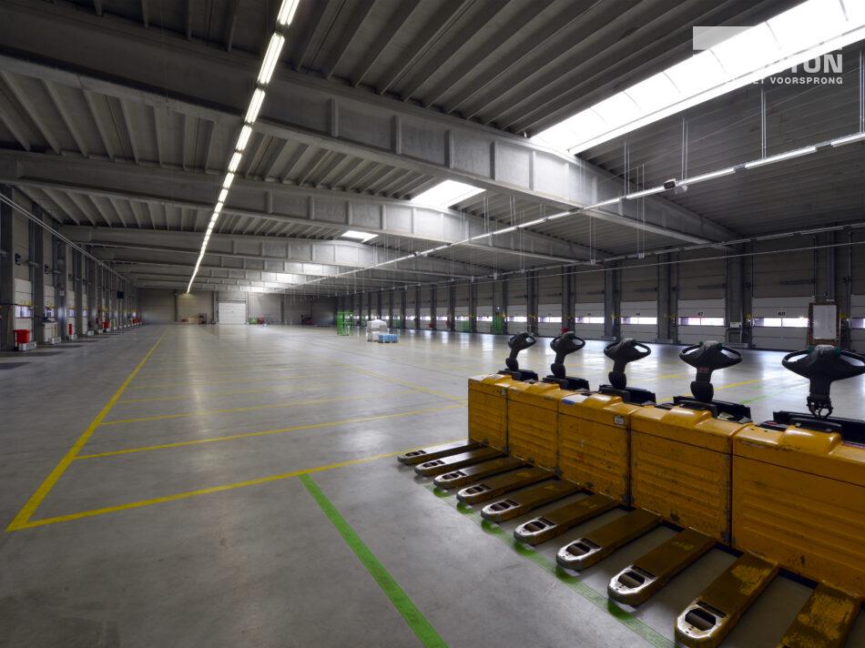 Nieuw logistiek centrum van Tielbeke Logistiek.