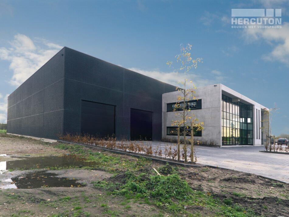 Hercuton realiseerde in Gameren een bedrijfsruimte met kantoor voor Verhagen Dakbedekking.
