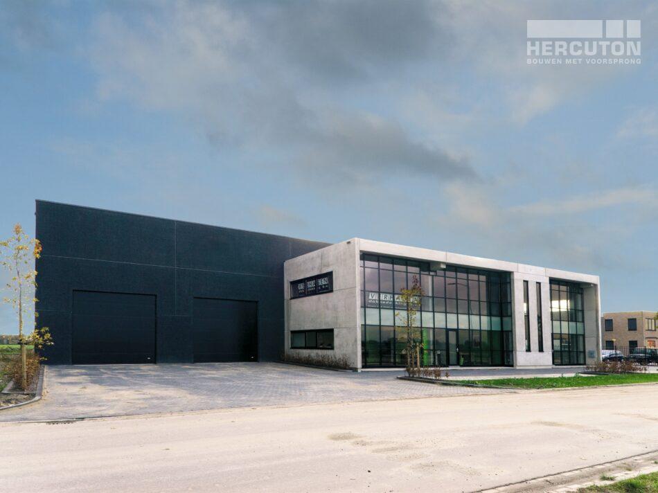 Hercuton heeft in Gameren een bedrijfsruimte met kantoor gerealiseerd voor Verhagen Dakbedekking.