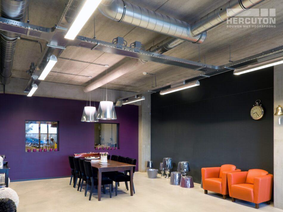 Hercuton realiseerde een bedrijfshal met loft kantoor en laadkuil voor Verhagen Group. - loft