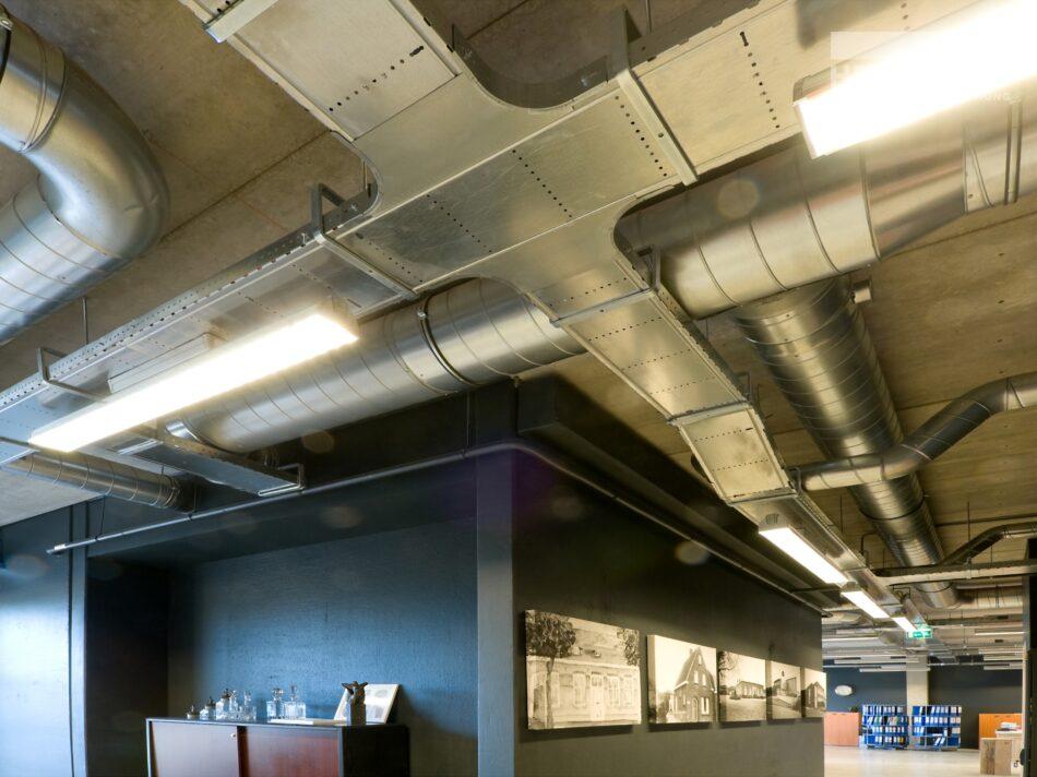 Hercuton realiseerde een bedrijfshal met loft kantoor en laadkuil voor Verhagen Group. - installaties