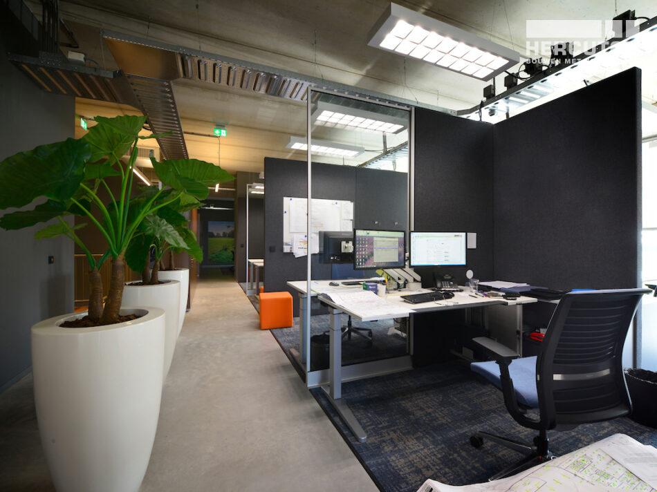 Nieuwbouw bedrijfspand met kantoor Vriend Coevorden gerealiseerd door Hercuton