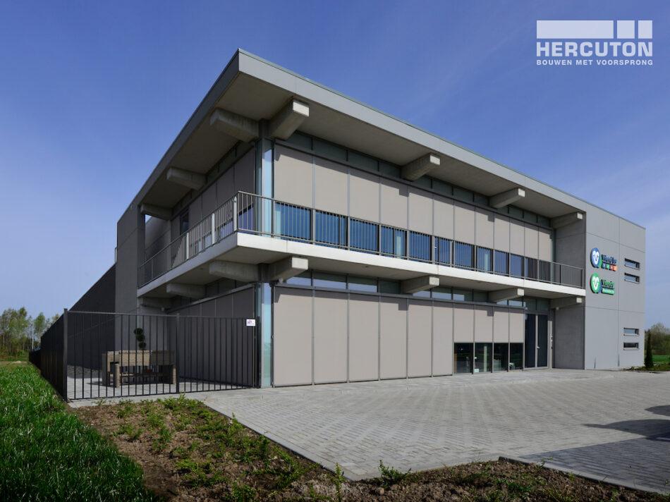Nieuwbouw bedrijfsruimte met kantoor en magazijnruimte Vriend Coevorden gerealiseerd door Hercuton