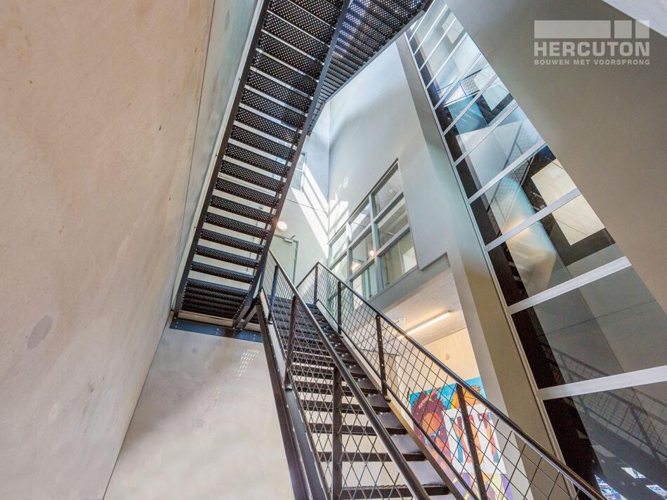 Nieuwbouw hoofdkantoor Xite Amsterdam - trappenhuis