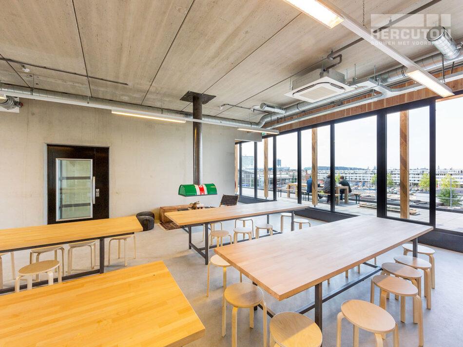 Trappenhuis loft kantoor Xite Amsterdam - horecaruimte