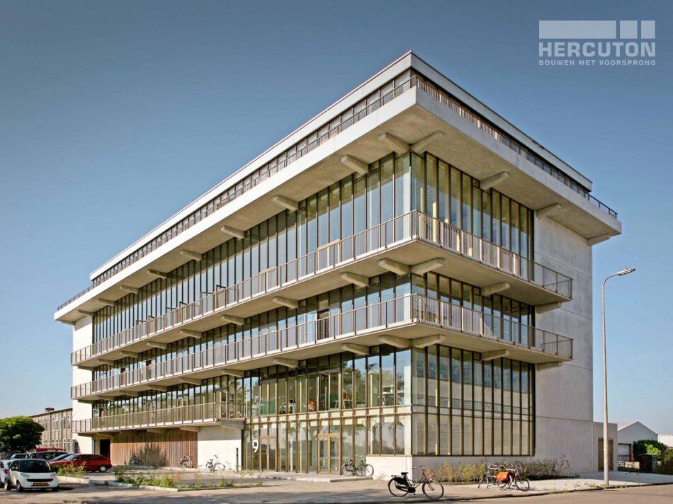 Nieuwbouw kantoorgebouw in Amsterdam door Hercuton b.v.