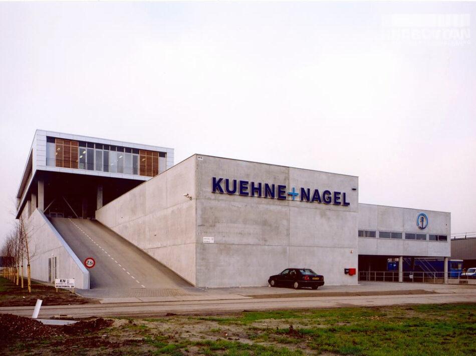 Distibutieruimte met kantoor Kuehne + Nagel in Nieuw-Vennep.