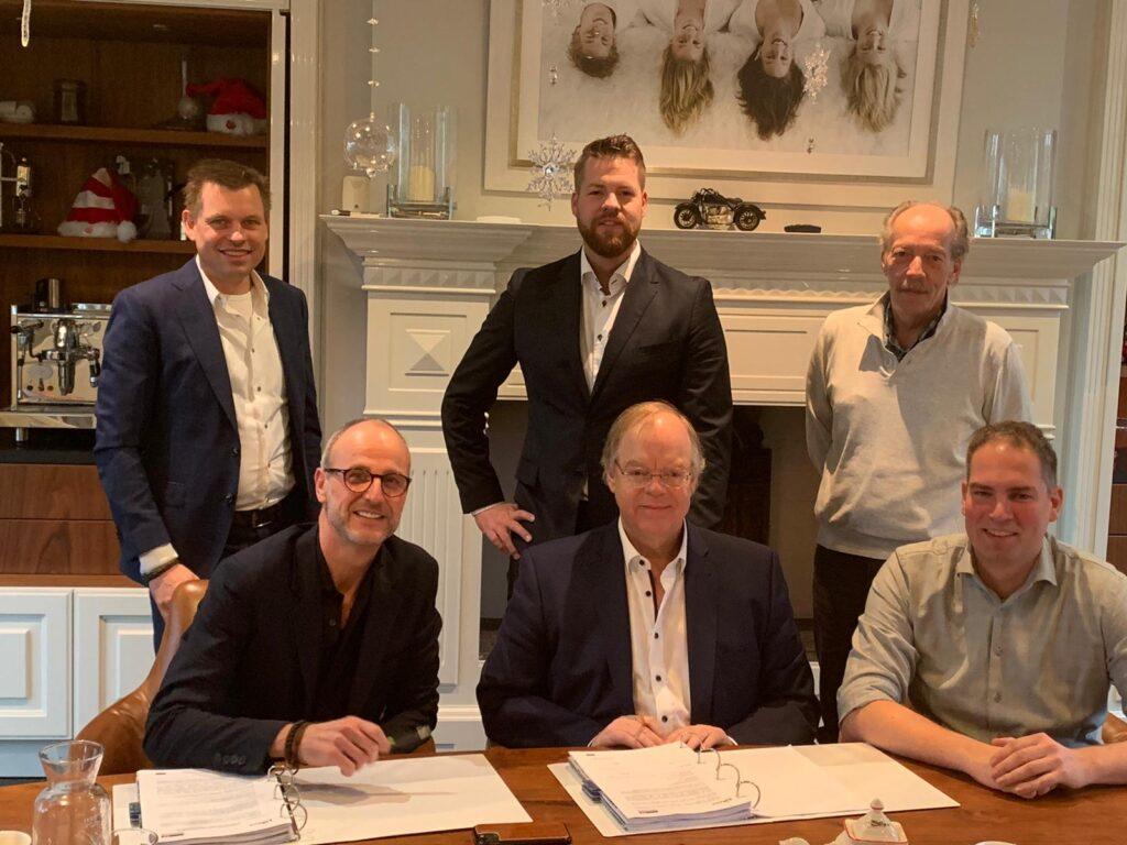 Tekenen contract Univacco Foils Holland